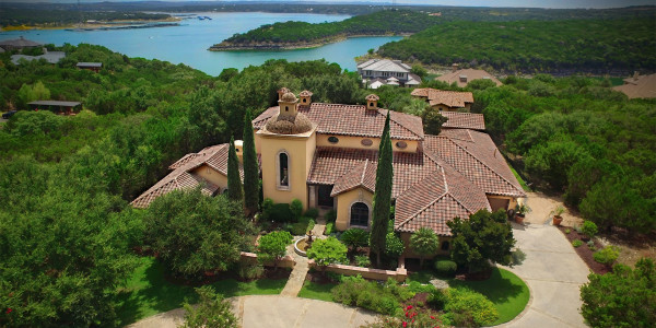 Casa Las Nuves is a Unique Austin Property listed by Brian Langlois